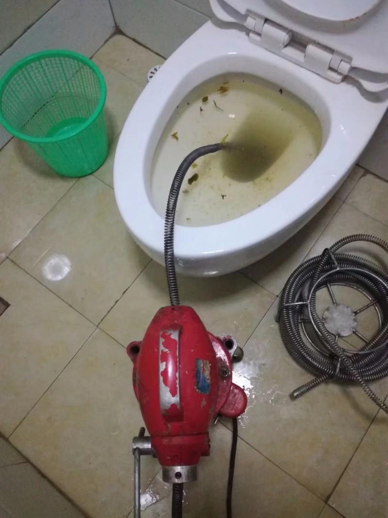 太原马桶维修,漏水检测安装马桶盖
