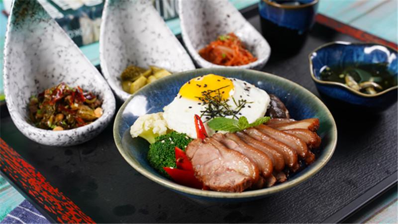 猪小财的饭日式精致简餐加盟日式烧肉快餐加盟
