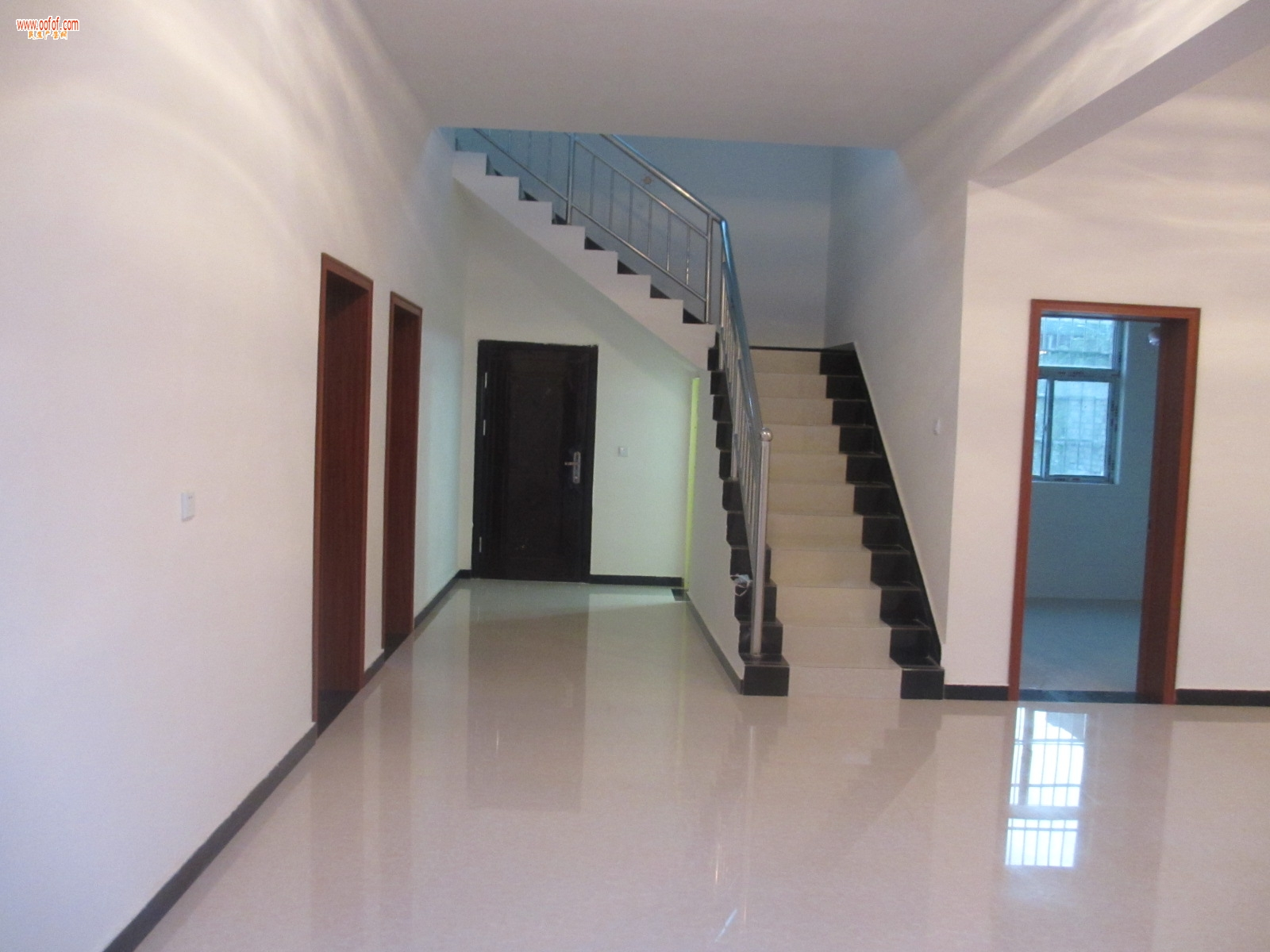 洪庆/出租房屋地址:西安市灞桥区洪庆街办田王新村。